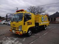 路面清掃車写真  1.JPG